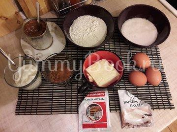 Кексы с начинкой из варёной сгущёнки - шаг 1
