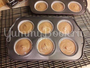 Кексы с начинкой из варёной сгущёнки - шаг 9