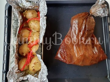 Запечённая говядина под маринадом с печеным картофелем - шаг 4