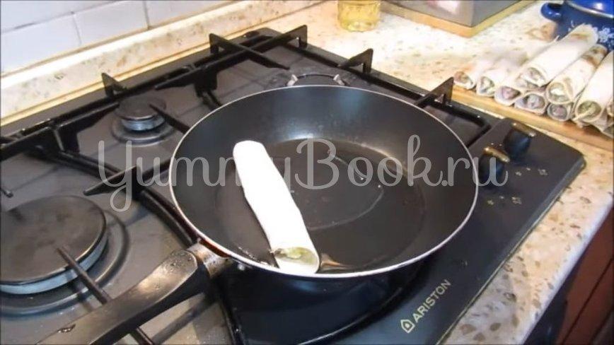 Закуска в лаваше с колбасой, сыром и яйцами - шаг 4