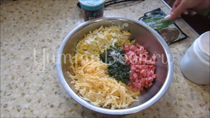 Закуска в лаваше с колбасой, сыром и яйцами - шаг 2