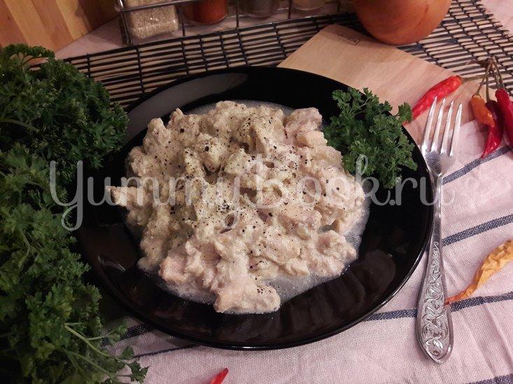 Куриное филе в сливочно-луковом соусе - шаг 9