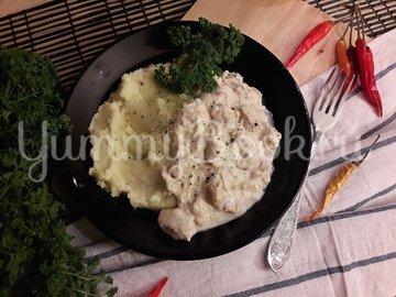 Куриное филе в сливочно-луковом соусе - шаг 8
