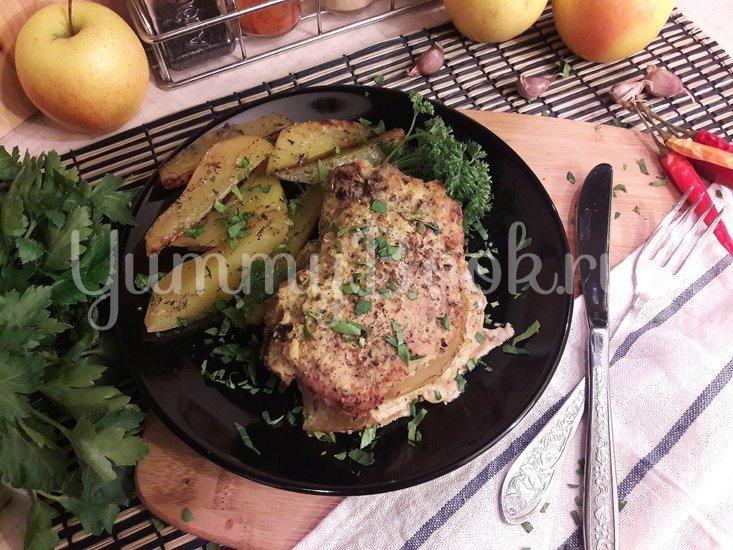 Корейка в сметанном маринаде с хреном и яблоком - шаг 11