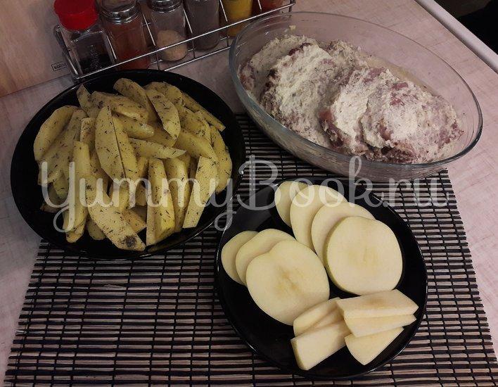 Корейка в сметанном маринаде с хреном и яблоком - шаг 6