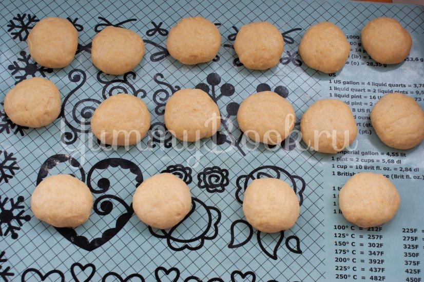Пончики с клубничным джемом - шаг 10