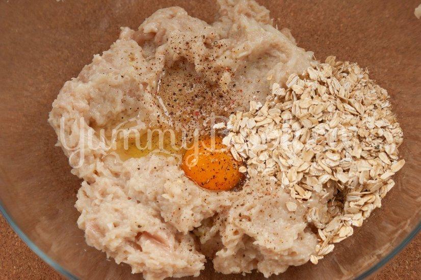 Куриный рулет с сыром и грибами - шаг 2