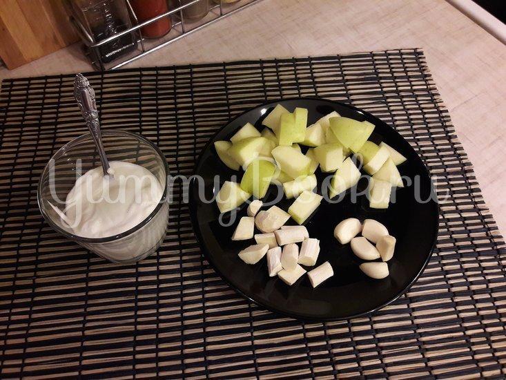 Сметанный соус с хреном и яблоком - шаг 2