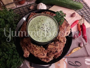 Огуречный соус с фетой и чесноком - шаг 4