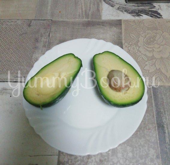Салат из свежих овощей с авокадо - шаг 4