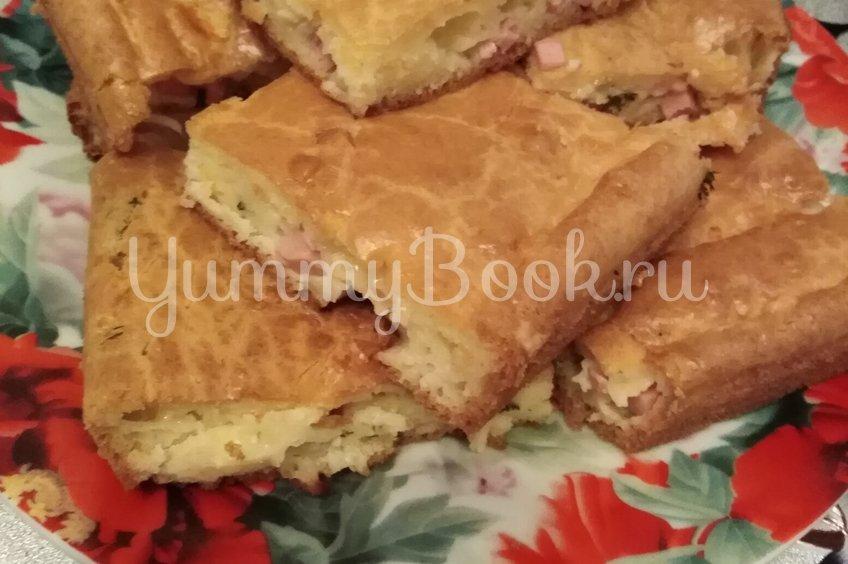 Заливной пирог на майонезе с колбасой, сыром и укропом