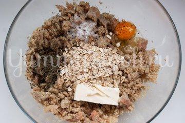 Рыбные тефтели в томатном соусе - шаг 1
