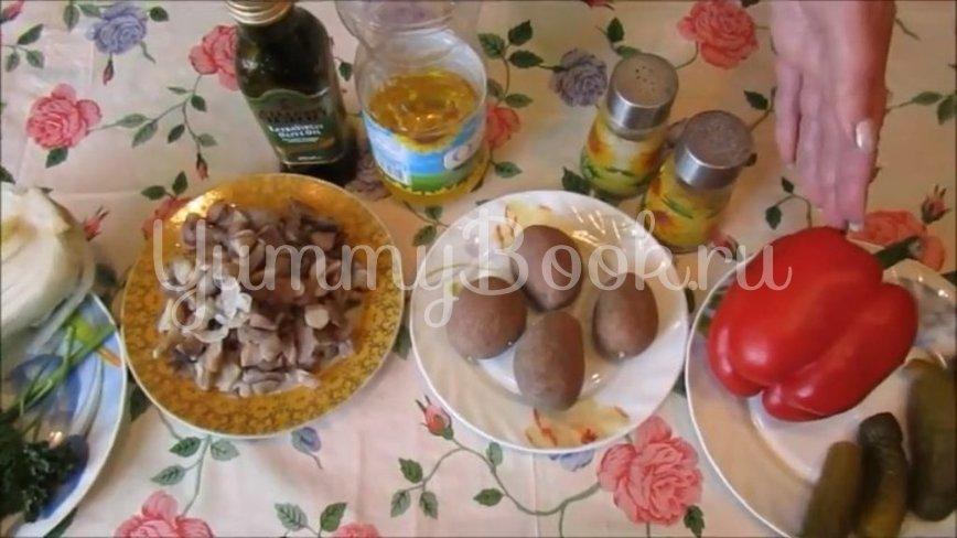 Постный салат с грибами и пекинской капустой  - шаг 1