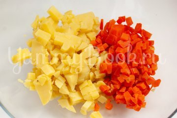 Картофельный салат с креветками - шаг 1