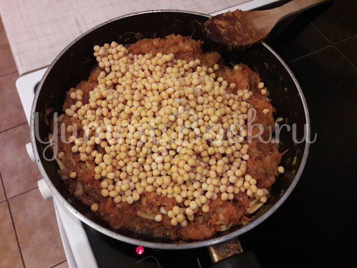 Пряная горошница с овощами в сковороде - шаг 8
