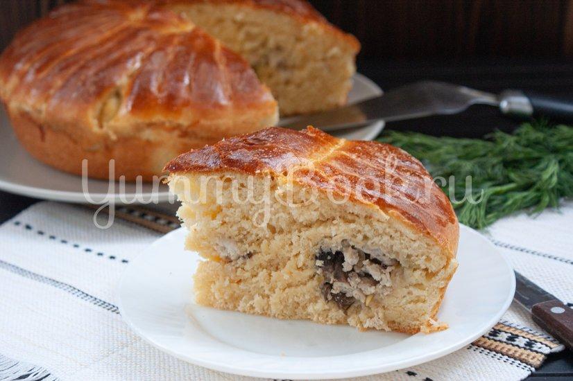 Дрожжевой пирог с фаршем, грибами и сыром - шаг 15