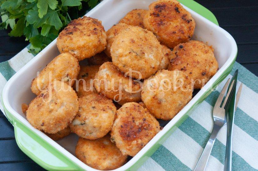 Куриные котлеты с сыром и зеленью - шаг 6
