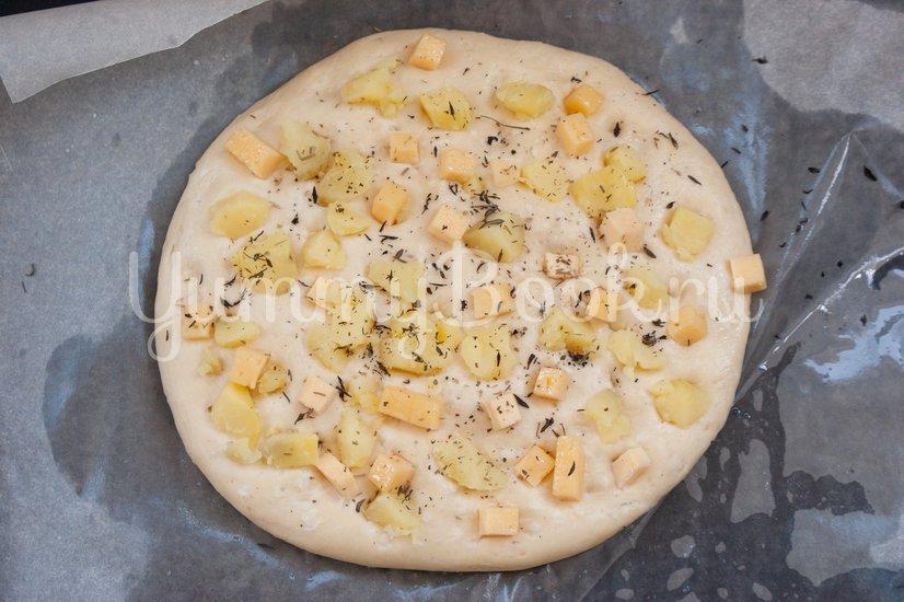 Фокачча с картофелем и сыром - шаг 7