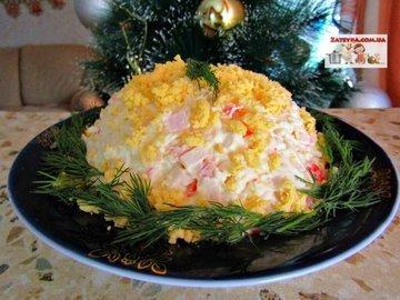 Салат с крабовыми палочками и плавленым сыром