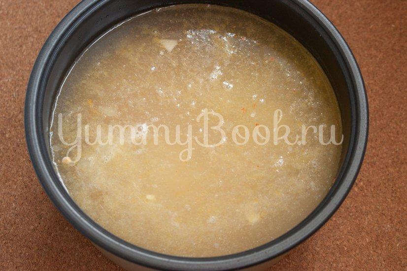 Гороховый суп с колбасой в мультиварке - шаг 3