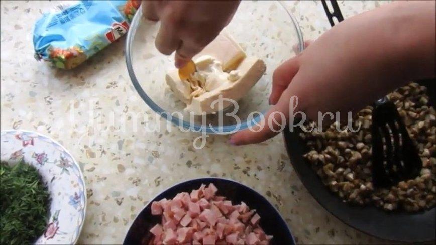 Рулет из лаваша с копченым мясом и грибами - шаг 2