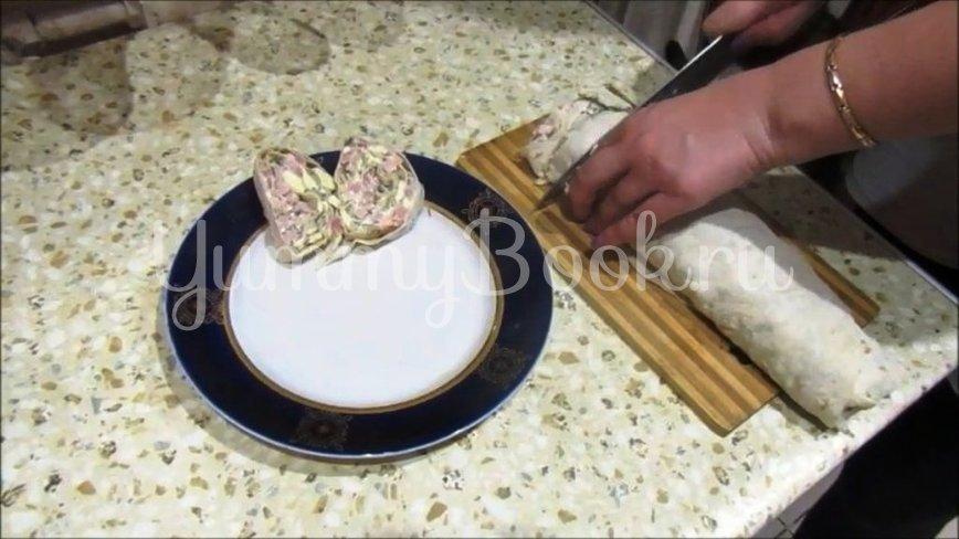 Рулет из лаваша с копченым мясом и грибами - шаг 4