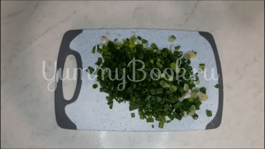 Салат из редиски и перепелиных яиц - шаг 2