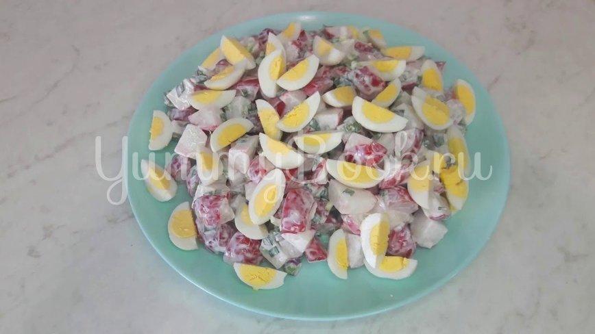 Салат из редиски и перепелиных яиц - шаг 9