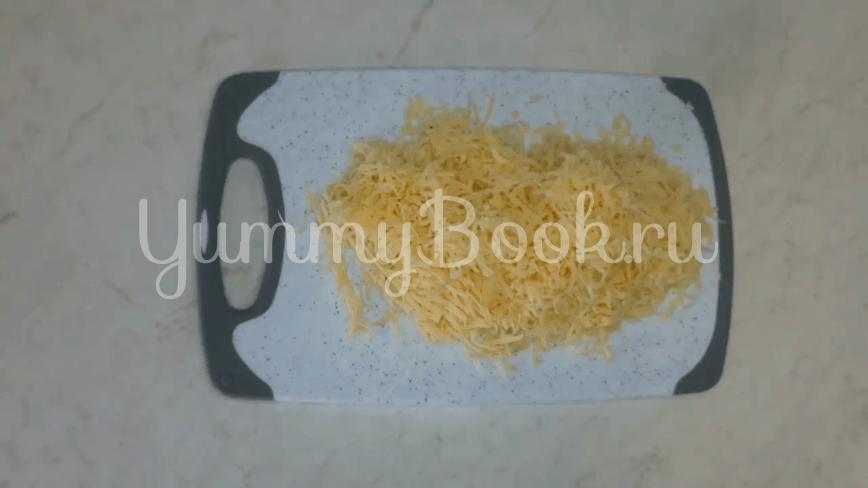 Горячие бутерброды с колбасой и сыром - шаг 2