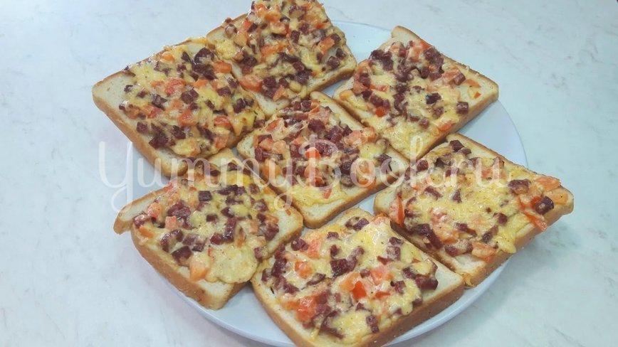 Горячие бутерброды с колбасой и сыром - шаг 11