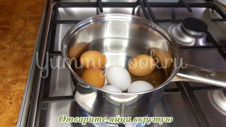 """Салат """"Королевский"""" с крабовыми палочками - шаг 1"""