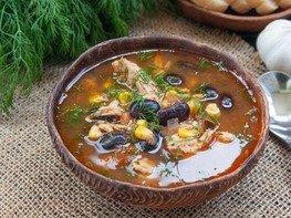 Мексиканский суп с фасолью и кукурузой