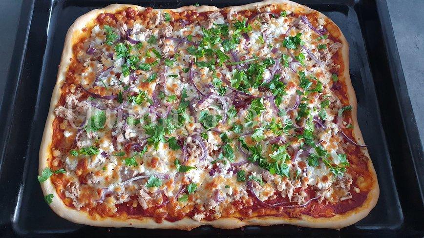 Пицца с тунцом и козьим сыром - шаг 8