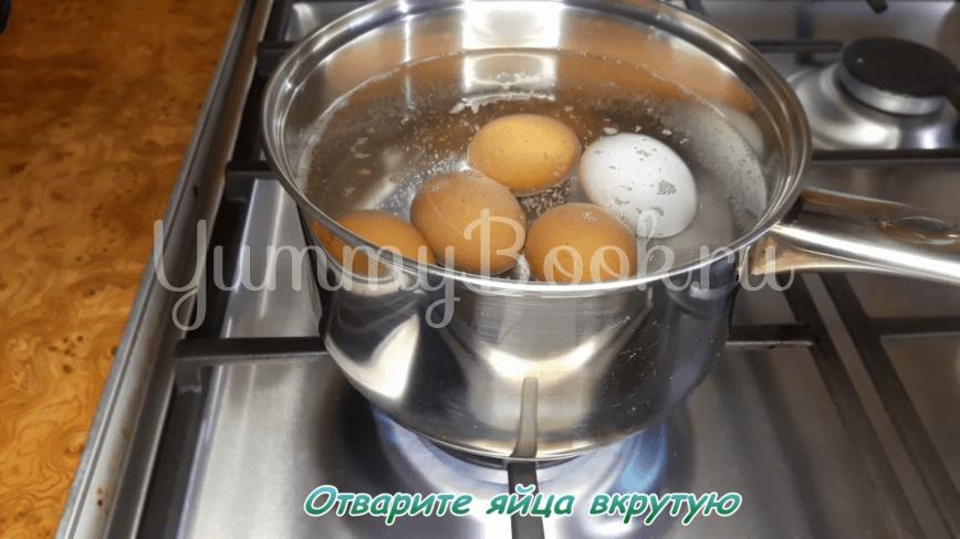Зеленый борщ с щавелем, яйцами и рисом - шаг 1