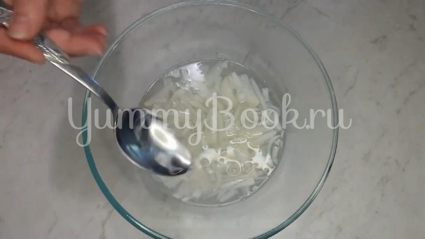 """Салат """"Чайка"""" с сыром, яйцами и горошком - шаг 6"""