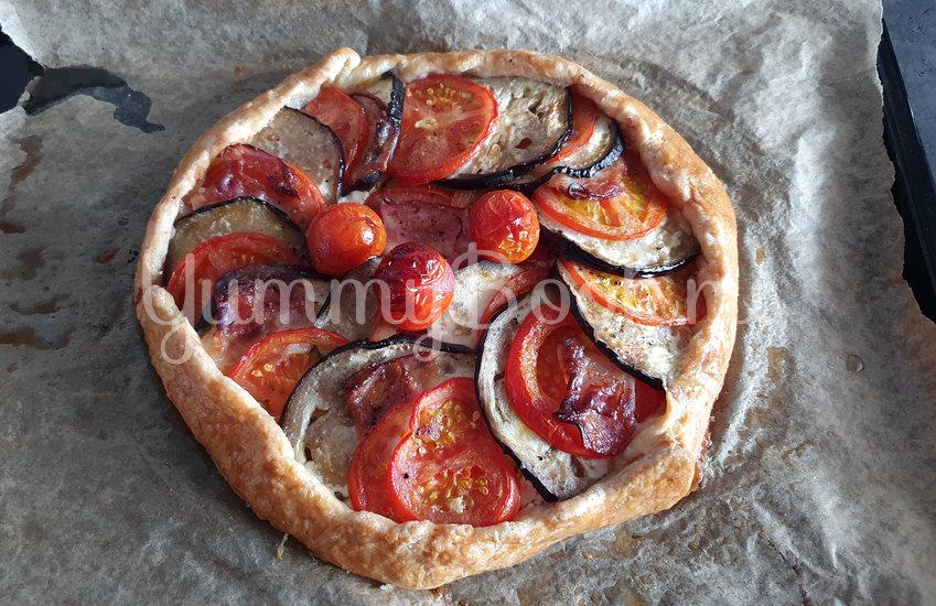 Галета с баклажанами, помидорами и беконом - шаг 10