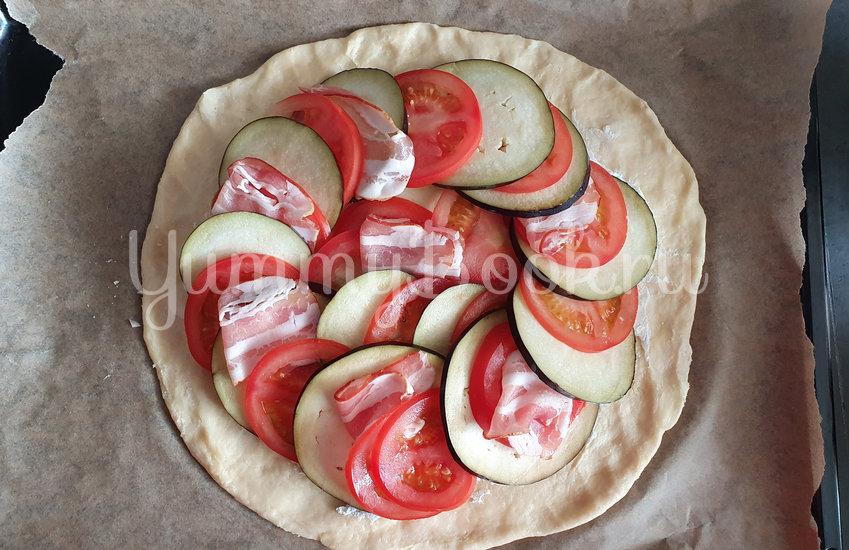 Галета с баклажанами, помидорами и беконом - шаг 7