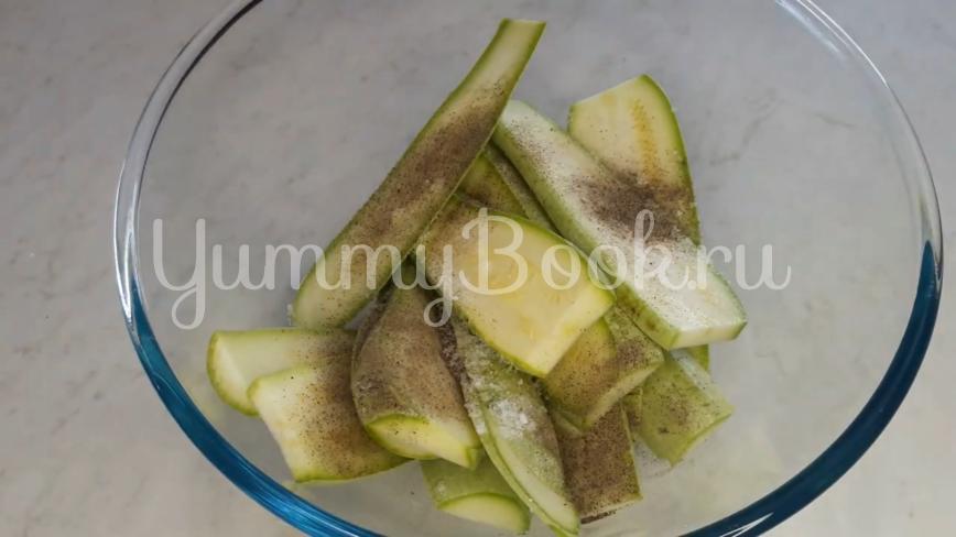 Жареные кабачки с чесноком в кляре - шаг 2