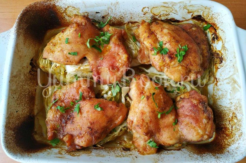 Капуста с куриными бёдрами