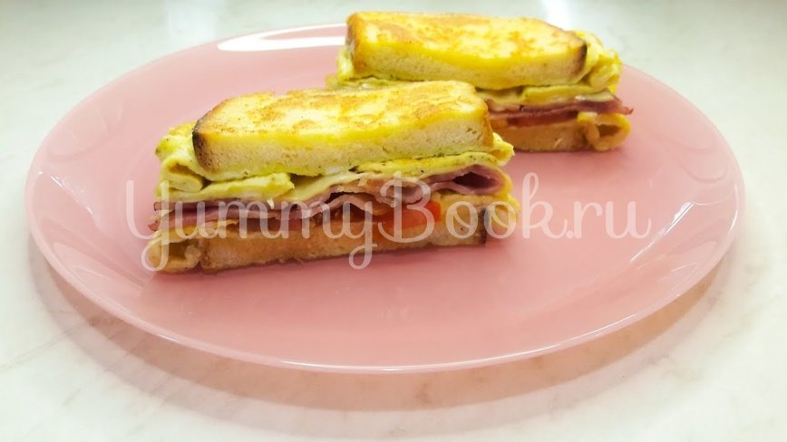 Горячий сэндвич на сковороде с яйцом - шаг 11