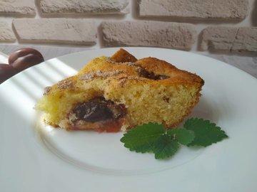 Сливовый пирог с корицей
