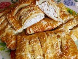 Слойки с куриным филе и сыром