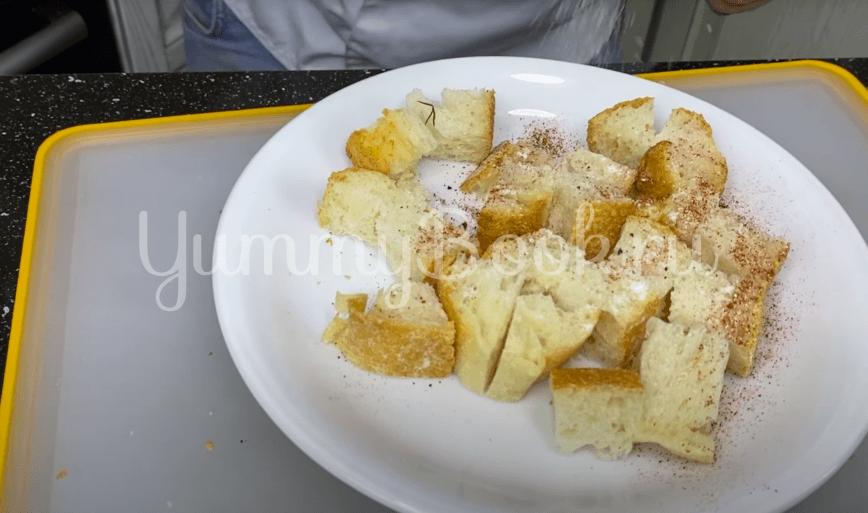 Итальянский томатный суп с сухариками  - шаг 4