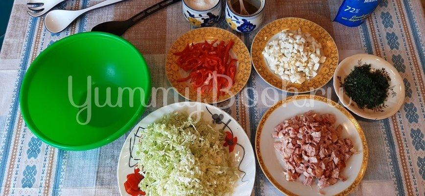Салат с пекинской капустой и копченой курицей - шаг 2