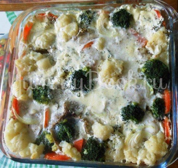 Хек в сметанно-майонезной заливке с овощами, запечённый в духовке - шаг 12