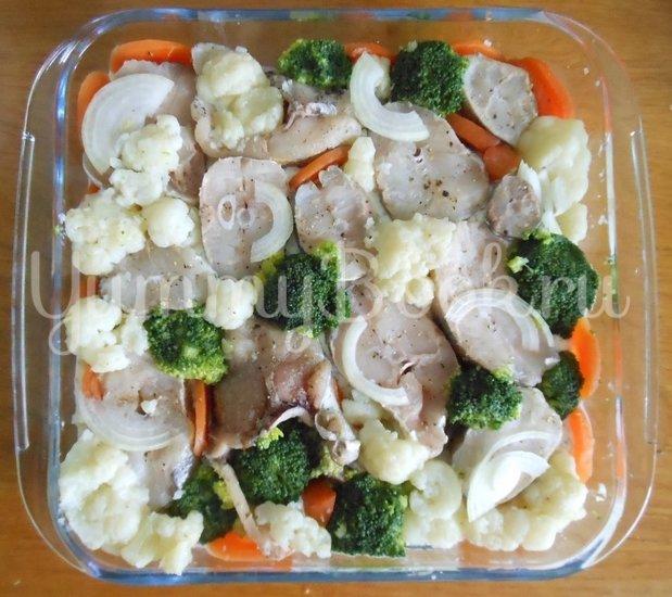 Хек в сметанно-майонезной заливке с овощами, запечённый в духовке - шаг 10