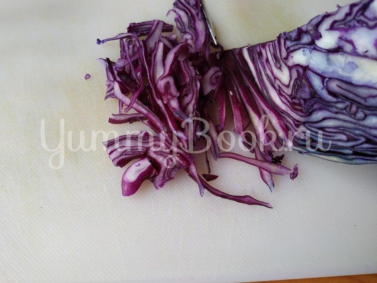Салат из краснокочанной капусты с сыром фета - шаг 1