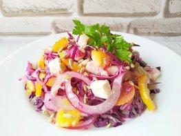 Салат из краснокочанной капусты с сыром фета