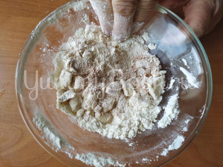 Пирог на кефире к чаю (с осенними грушами) - шаг 6