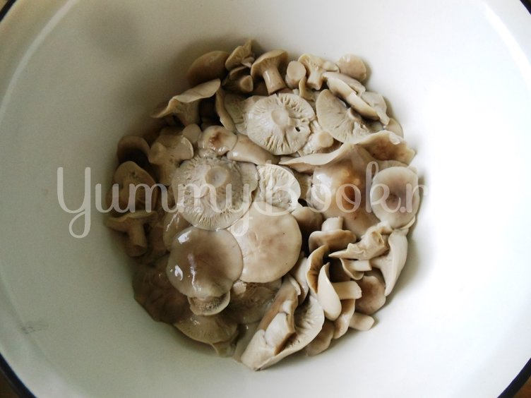 Икра грибная из свежих грибов - шаг 2
